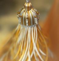 crown_crystal_tassel_lr_