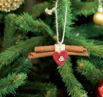 handmade-christmas-decorationg-cinnamon-sticks-10