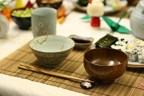 traditional-japanese-table-setting-knife-and-fork-flickr-japanese-style-table-setting-l-85ee3e5bee6b5c5f