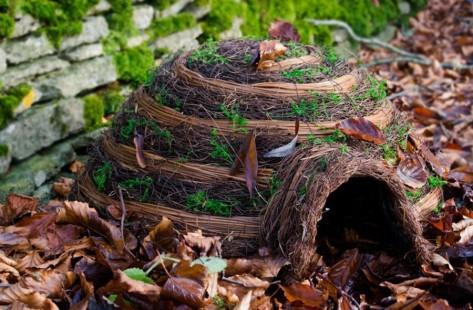 294266-igloo-hedgehog-house